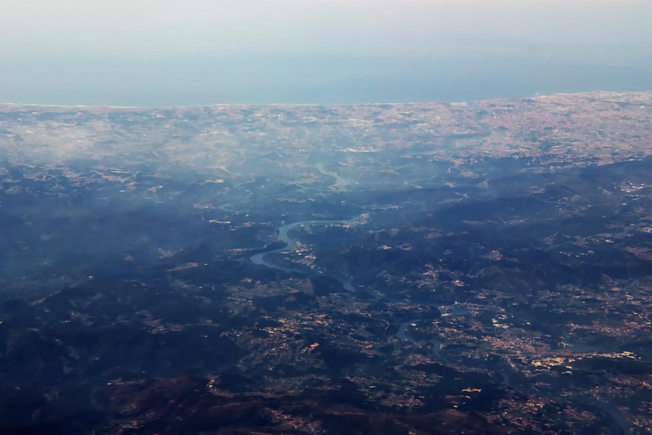 Rio Douro a vpravo nahoře Porto