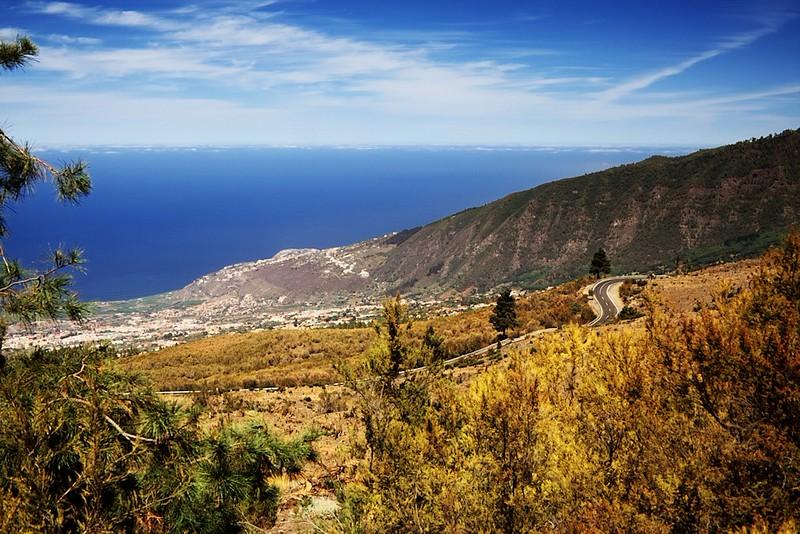 Valle de la Orotava a silnice do parku Teide