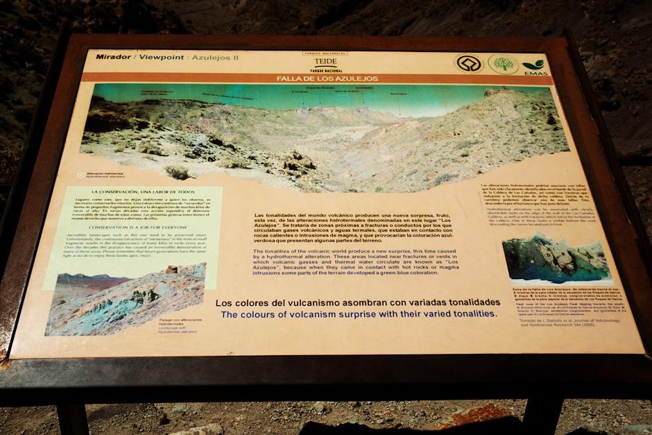 Něco o tom, jak Azulejos vznikly. A také o tom, že odsud lidé ročně odnesou mnoho kilogramů kamení na památku. Jsou tu na to (logicky) velice citliví - pokud se rozhodnete si nějaký kamínek vzít na památku (nedělejte to - ostatně po celém ostrově je kamení úplně stejné, tak když už, tak si nějaký vezměte mimo oblast národního parku), opravdu doufejte, že vás odnikud nevidí žádný ze strážců parku. Nebude s vámi jednat příliš mile.
