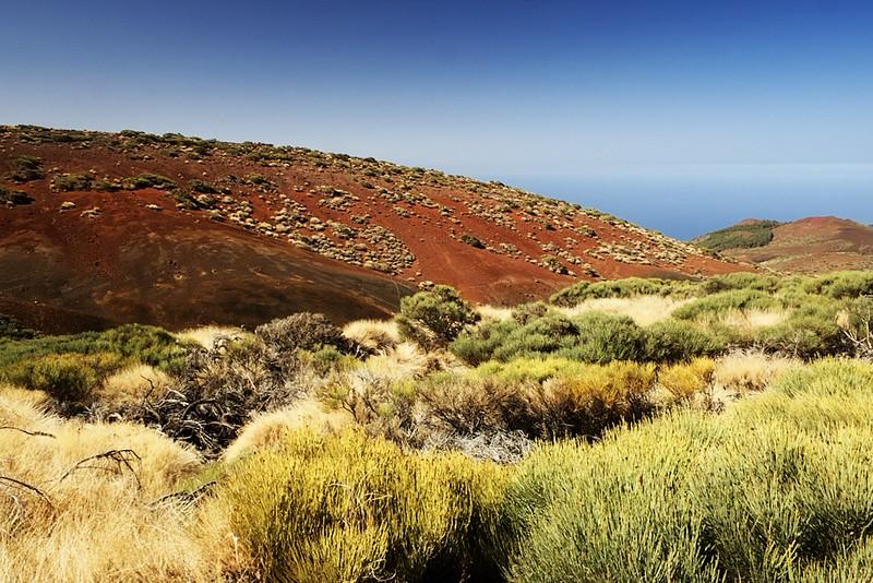 Červený kopec naproti observatoři Izaňa