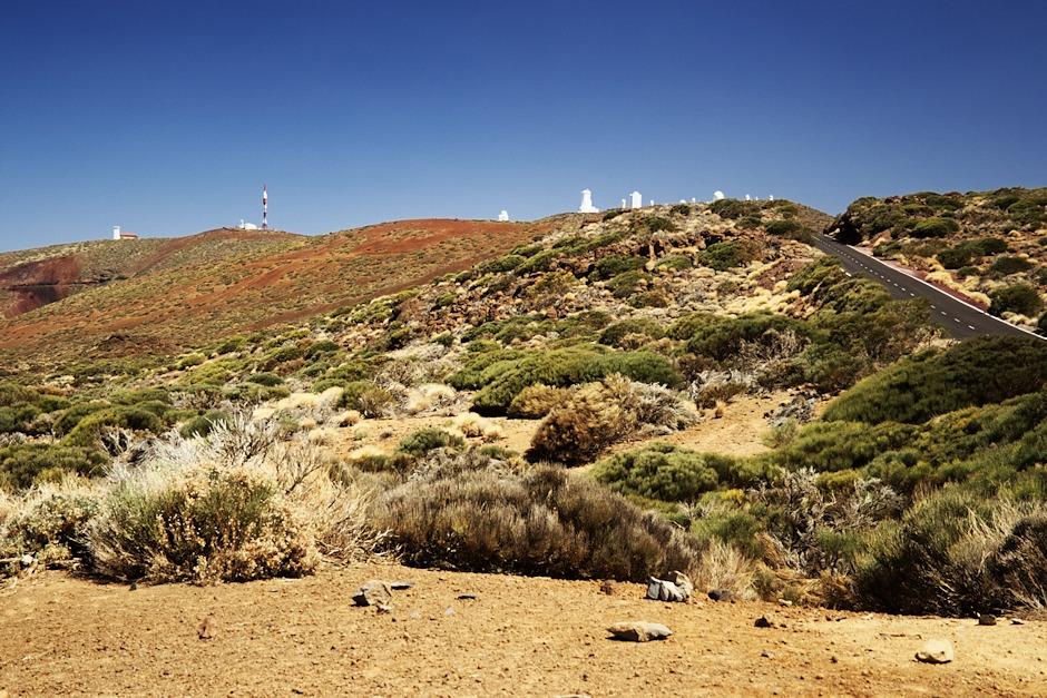 Pohled na observatoř Izaňa od Roque Corujado