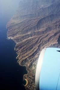 Kanárské ostrovy, Gran Canaria. Dole velká pláž Puerto Rico.