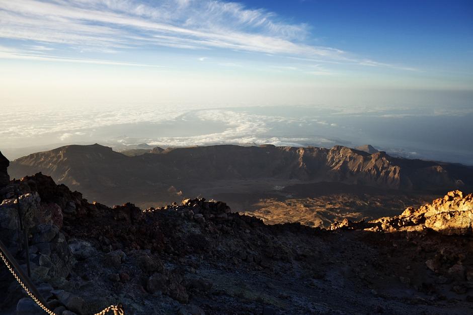 Pohled z vrcholku Teide směrem na jih.