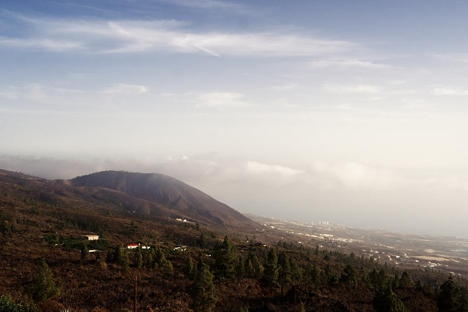 Hora nad městečkem Tejina a výhled směrem k jihu