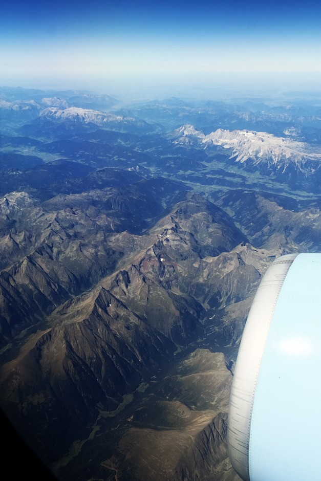 Rakousko, vpravo nahoře pohoří Dachstein