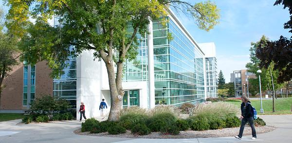 Buildings & Campus Scenes