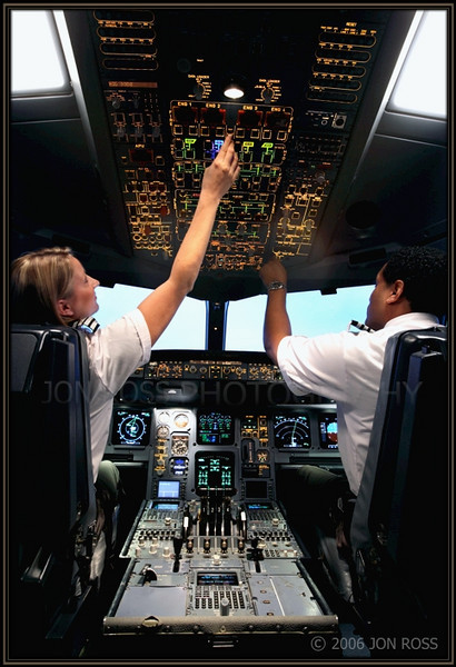 Broward College  Aviation Institute Photoshoot (Professional Pilot)Airbus Simulator | Miami, FL Canon EOS 5D | Canon EF 16-35mm f/2.8 L USM1s | f/9 @ 23mm | ISO 1000