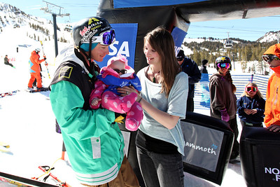2012 Visa U.S. Freeskiing Grand Prix at Mammoth Mountain Halfpipe Finals David Wise with his wife and daughter after winning first place. Photo: Sarah Brunson/U.S. Freeskiing