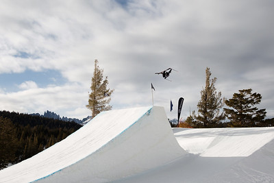 Gus Kenworthy AFP Freeski slopestyle finals 2018 Toyota U.S. Freeskiing Grand Prix at Mammoth Mountain, CA Photo: Sarah Brunson/U.S. Ski & Snowboard