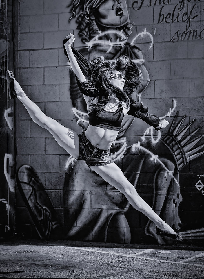 Outdoor dance portrait of Sayoko Knode, urban ballerina in Freak Alley Boise. Photo by Mike Reid.