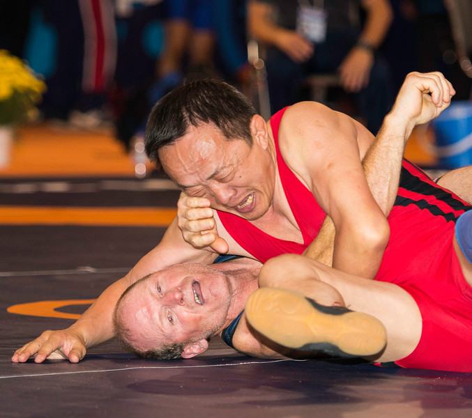 LIM Yevgeniy (KAZ) df. LEVASSEU Mark (USA) by FALL, 4-0