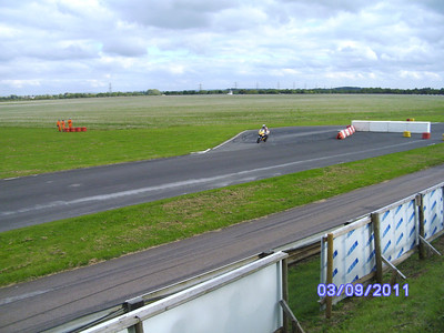 Our very own Freewheeler Joanne Wingate racing round the track!