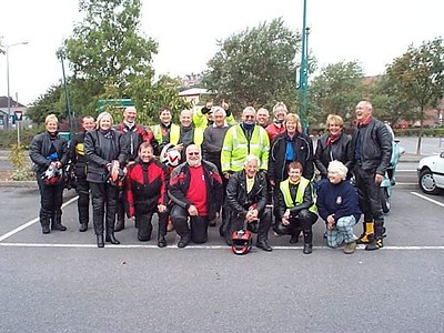 Clevedon Lions join Freewheelers for a sponsored ride out in 2001