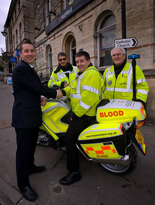 Freewheelers volunteers collect a £3,000 community prize from NatWest Picture courtesy of NatWest (Julian James Photography Ltd)