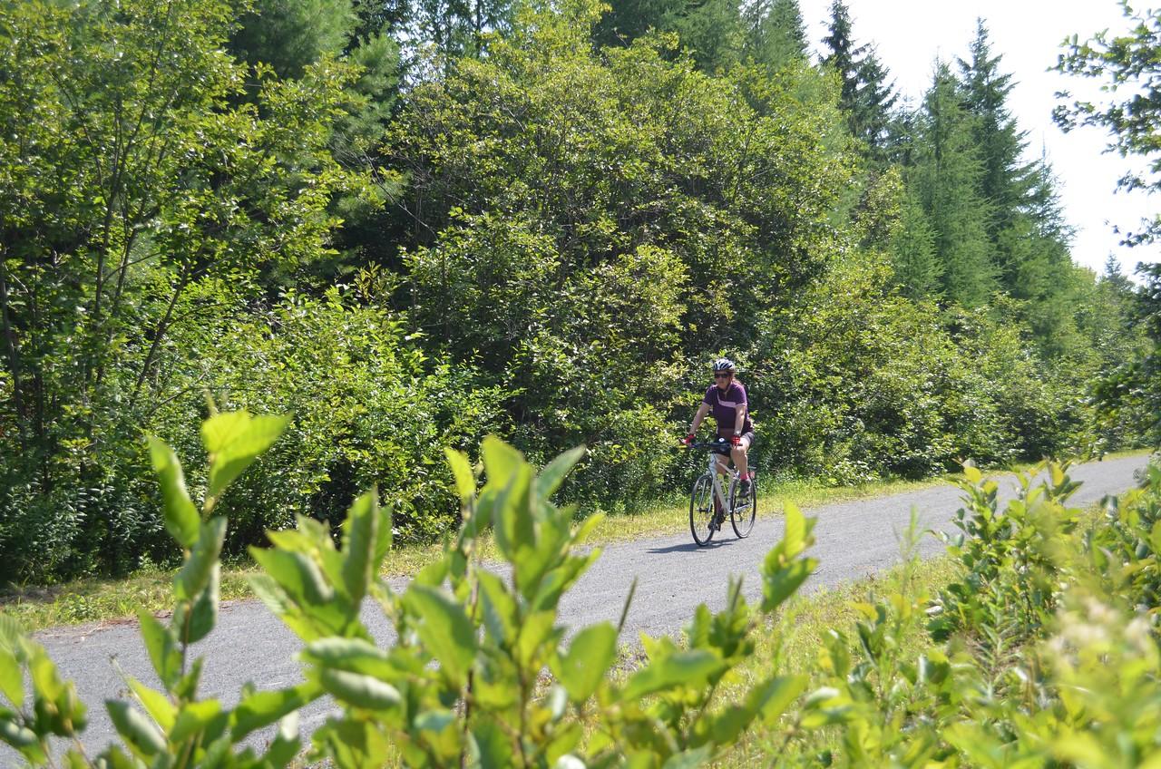 Canada: Québec Montreal to Ottawa Laurentians Bike