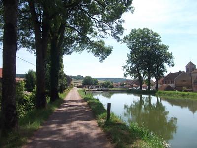 France: Burgundy Canals Bike