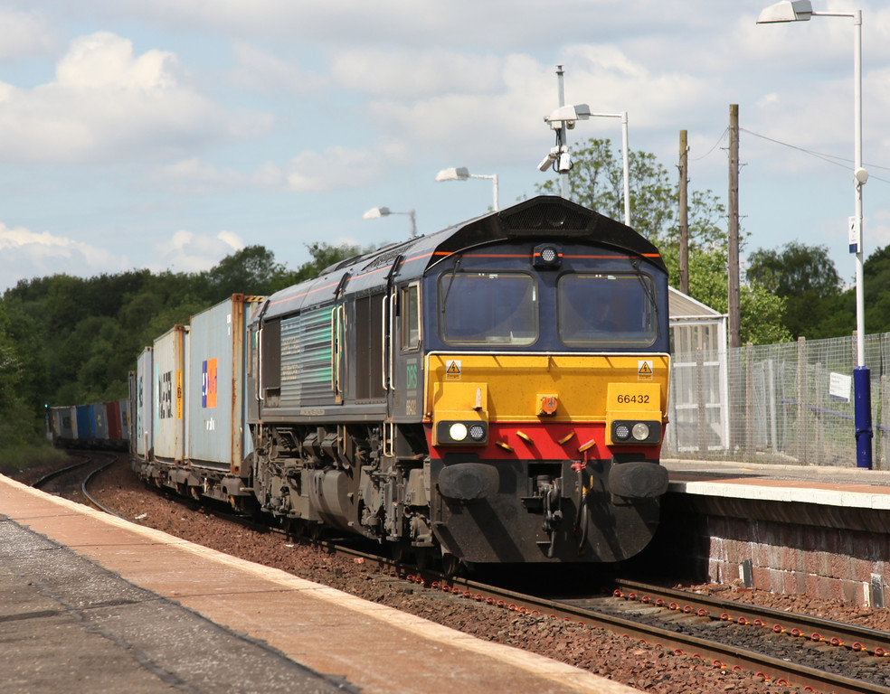 66432 passing Kirkwood - Tom Smith image used with permission