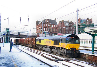 66842 arrives into Carlisle in the snow on the: 6J37 12:29 Carlisle Yard to Chirk  30/11/10