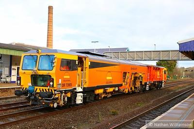 DR73905 (Former 'Eddie King') arrives into Totnes on: 6J44 10:10 Hackney Yard to Truro  15/12/14
