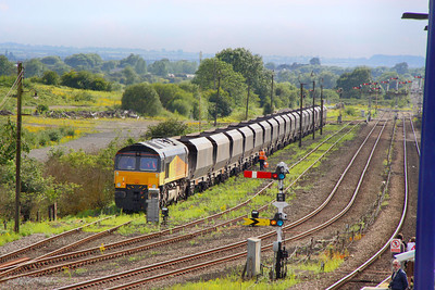 66842 runs round in Wrawby Sidings next to Barnetby on the: 4Z66 17:00 Scunthorpe BSC to Shildon 29/06/11