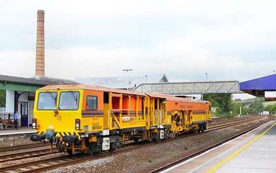 DR73907, Colas Switch & Crossing Tamper heads west through Totnes on the: 6J89 13:36 Exeter St Davids to Par 26/09/11