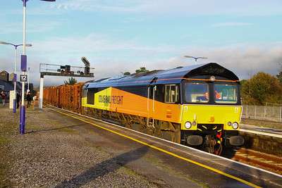 66847 arrives into Newton Abbot off the Heathfield Branchline with 14 KFA wagons weighing 818 tonnes on the:  6Z51 14:41 Teigngrace to Chirk  21/12/11