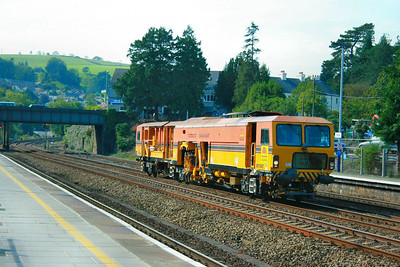 DR73907, Colas Switch & Crossing Tamper heads north through Totnes on the: 6J89 10:15 Par to Hackney Yard 30/09/11
