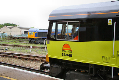 66849 & 66731 in Eastleigh Station 26/07/11