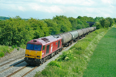 60040 heads north through Portway (Elford) on the: 6E41 11:41 Westerleigh to Lindsey  11/06/09