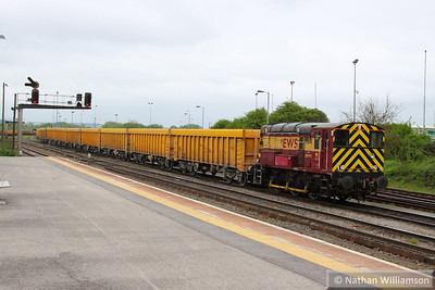 08995 shunting in Westbury 21/05/13  Watch the video at: http://youtu.be/RhytozSp5LY