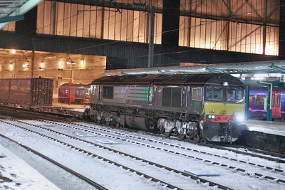 66423 calls at Carlisle in the snow on the: 4M30 Grangemouth to Daventry  02/12/10