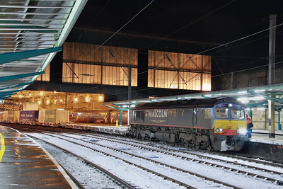 66412 calls at Carlisle on the: 4Z44 18:30 Mossend to Daventry  30/11/10