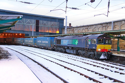 66430 calls at Carlisle on the: 4M44 10:47 Mossend to Daventry  02/12/10