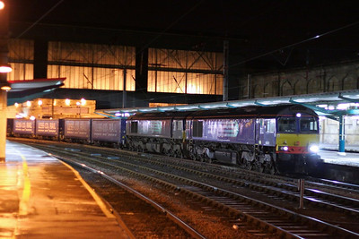 66301 & 66432 call at Carlisle working the: 4M48 18:53 Mossend to Daventry  05/12/12