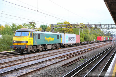 90046 heads north past South Kenton working the: 4M87 11:14 Felixstowe to Trafford Park  07/11/13