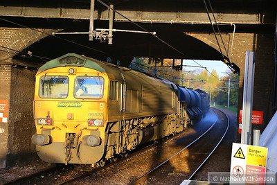 66523 heads east through Kensal Rise on the rear of the RHTT: 3S81 07:58 Broxbourne to Broxbourne  14/11/13