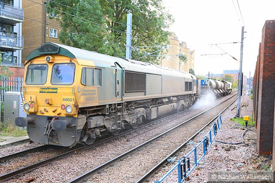 66621 heads west through Finchley Road & Frognal on the rear of the: 3S81 07:58 Broxbourne to Broxbourne  07/11/13
