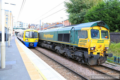 66535 heads west through Finchley Road & Frognal leads the: 3S81 07:58 Broxbourne to Broxbourne  07/11/13