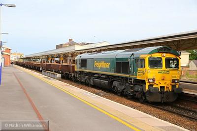 66513 heads west through Taunton on: 6T42 16:37 Westbury to Westbury via Fairwater  18/08/15