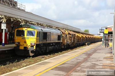 66526 heads north through Taunton on: 6C84 09:19 Fairwater to Westbury  07/05/15