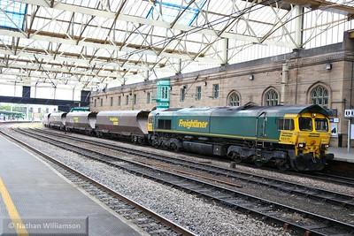66513 heads north through Carlisle on: 4S08 09:12 Sudforth Lane to New Cumnock  17/06/15