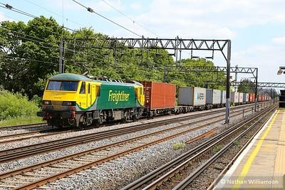 90042 heads north through South Kenton on: 4M88 09:32 Felixstowe to Basford Hall  26/05/15