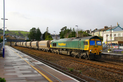 66607 heads north through Totnes on the: 6C59 11:00 Burngullow to Hackney Yard 06/12/11