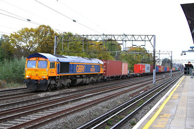 66730 heads north past South Kenton on the: 4M23 10:45 Felixstowe to Birch Coppice  09/11/12