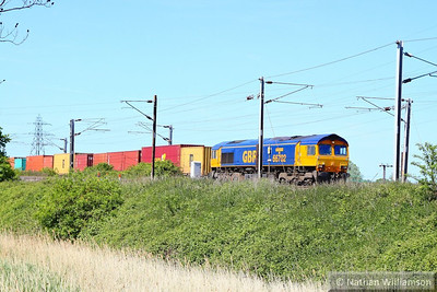 66702 heads east through Manningtree on the: 4L02 04:43 Hams Hall to Felixstowe  04/06/13