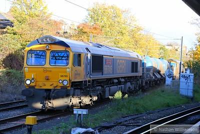 66745 passes Willesden Junction low level on: 3S70 07:20 Broxbourne to Broxbourne  14/11/14