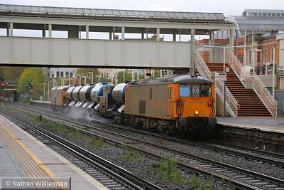 73136 heads north through Kensington Olympia on: 3W90 04:20 Horsham Yard to Horsham Yard  14/11/14
