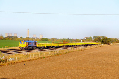 66721 heads east through Cholsey on the: 6O10 09:25 Appleford to East Grinstead   19/10/11
