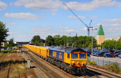 66706 heads south through Oxford on the: 6O96 10:23 Mountsorrel to Eastleigh Yard  09/08/11