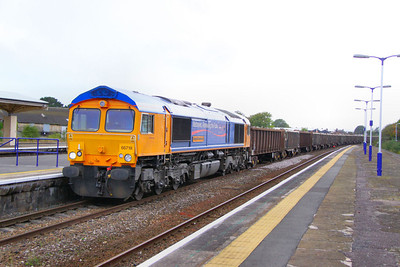 66718 heads north through Taunton on the: 6F30 16:10 Exeter Alphington Road to Cardiff Tidal  06/09/11